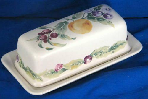 Pfaltzgraff Jamberry butter dish