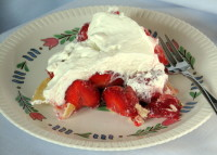 Syracuse china Lancaster strawberry pie
