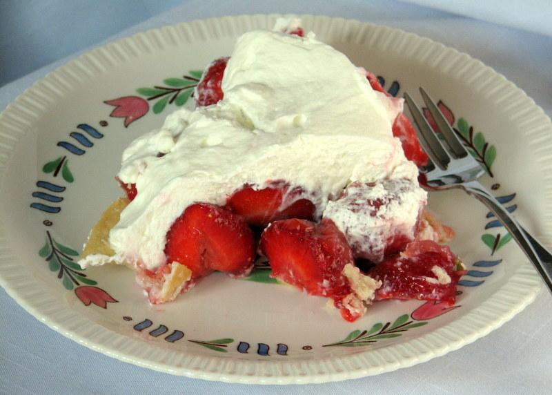 Syracuse china Lancaster strawberry pie