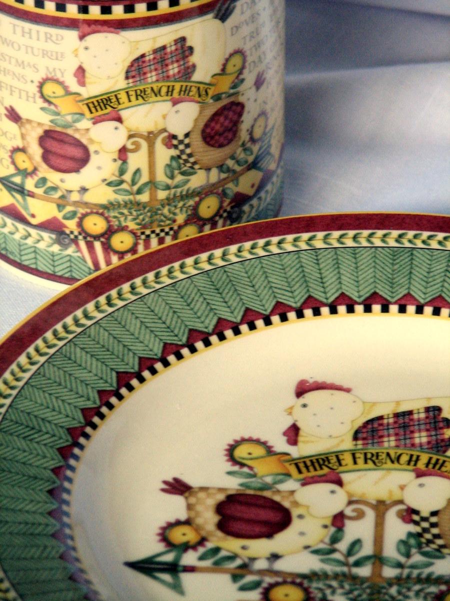 Debbie Mumm Christmas dinnerware