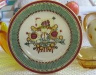 Three French Hens Mumm dinnerware