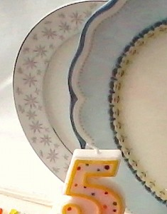 Narumi and Lenox dinnerware up close
