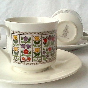 Vingate Royal Doulton cups Fireglow china