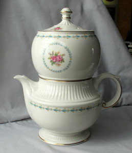 Vintage china coffee pot Mount Vernon by Hall for Harmony House