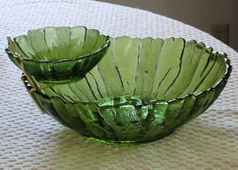 Vintage green glassware Chip dip set
