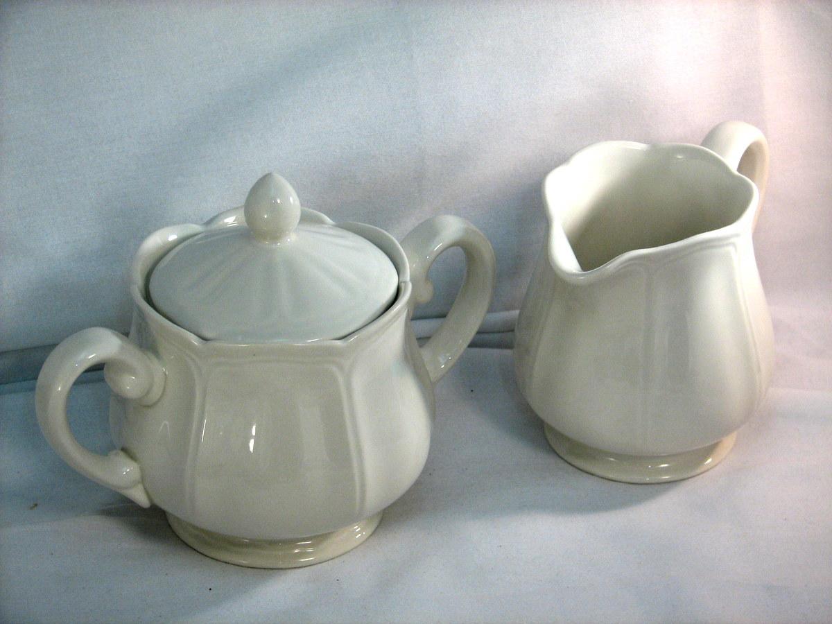Federalist pattern dinnerware