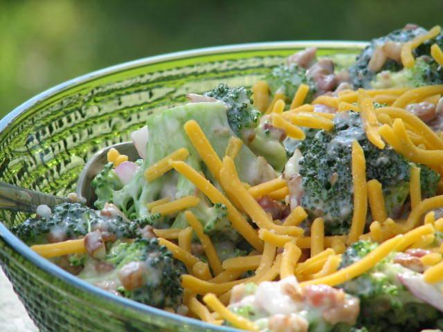 Soreno glass bowl serving salad